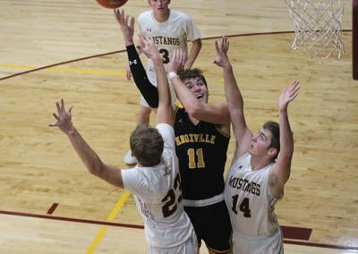 Mustangs battle Panthers in SCC thriller