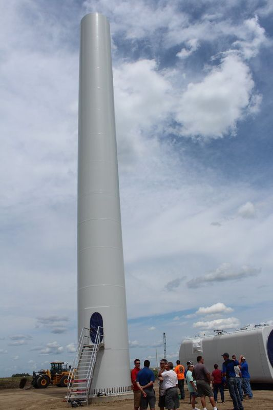 Hundreds get look at new wind farm
