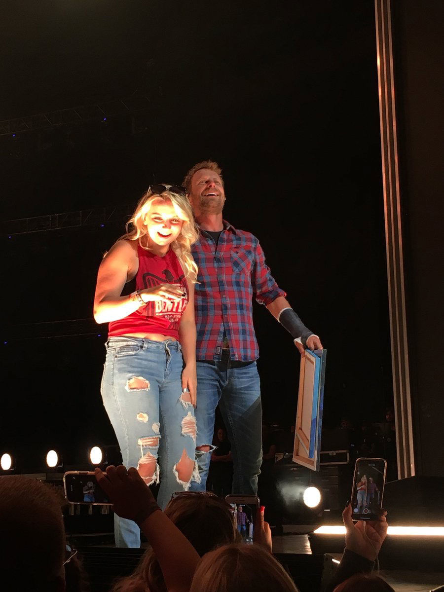 Mexico teen takes stage with Dierks Bentley