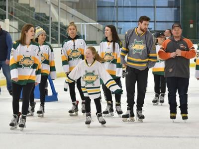 Holiday Skate with the Lakers Nov. 24 to support United Way