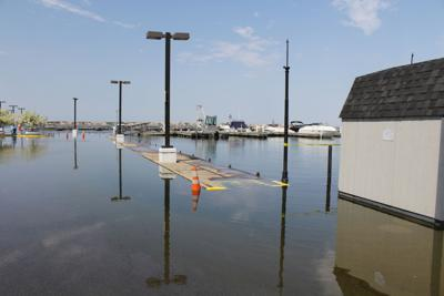 Chances of high water on Lake Ontario 'moderate'