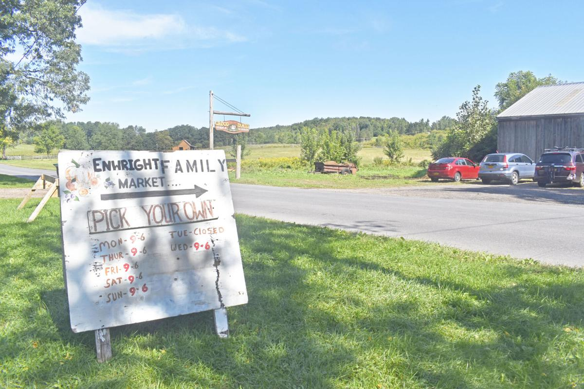 Enwright Family Farm and Market sign