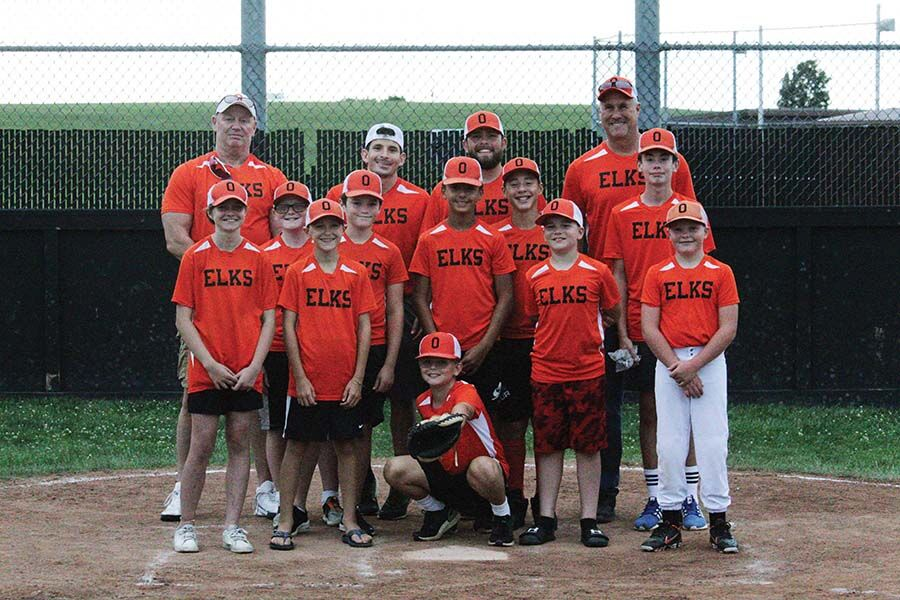 Elks claim regular-season title