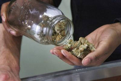 Slow your roll: Cuomo says legal NY pot unlikely in 2019