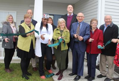 Officials cut ribbon on Scriba housing complex