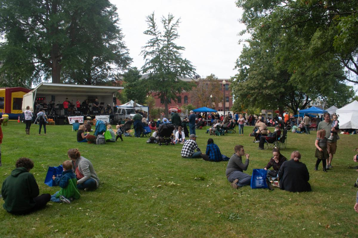 Residents enjoy the DeSantis Orchestra