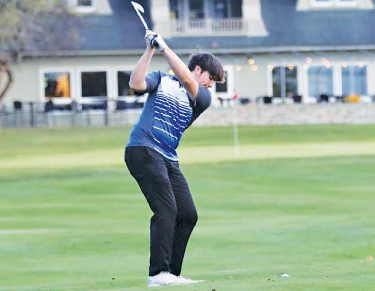 Oswego Buccaneer golfers make the most of season mired by pandemic