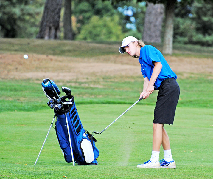 Varsity golf: Buc golfers split matches in past couple days