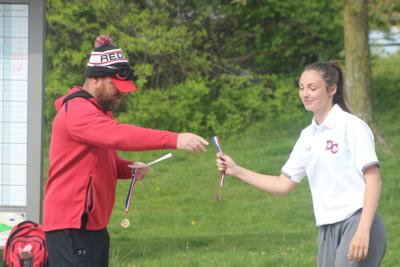 Petefish finishes second at SCC girls golf tournament