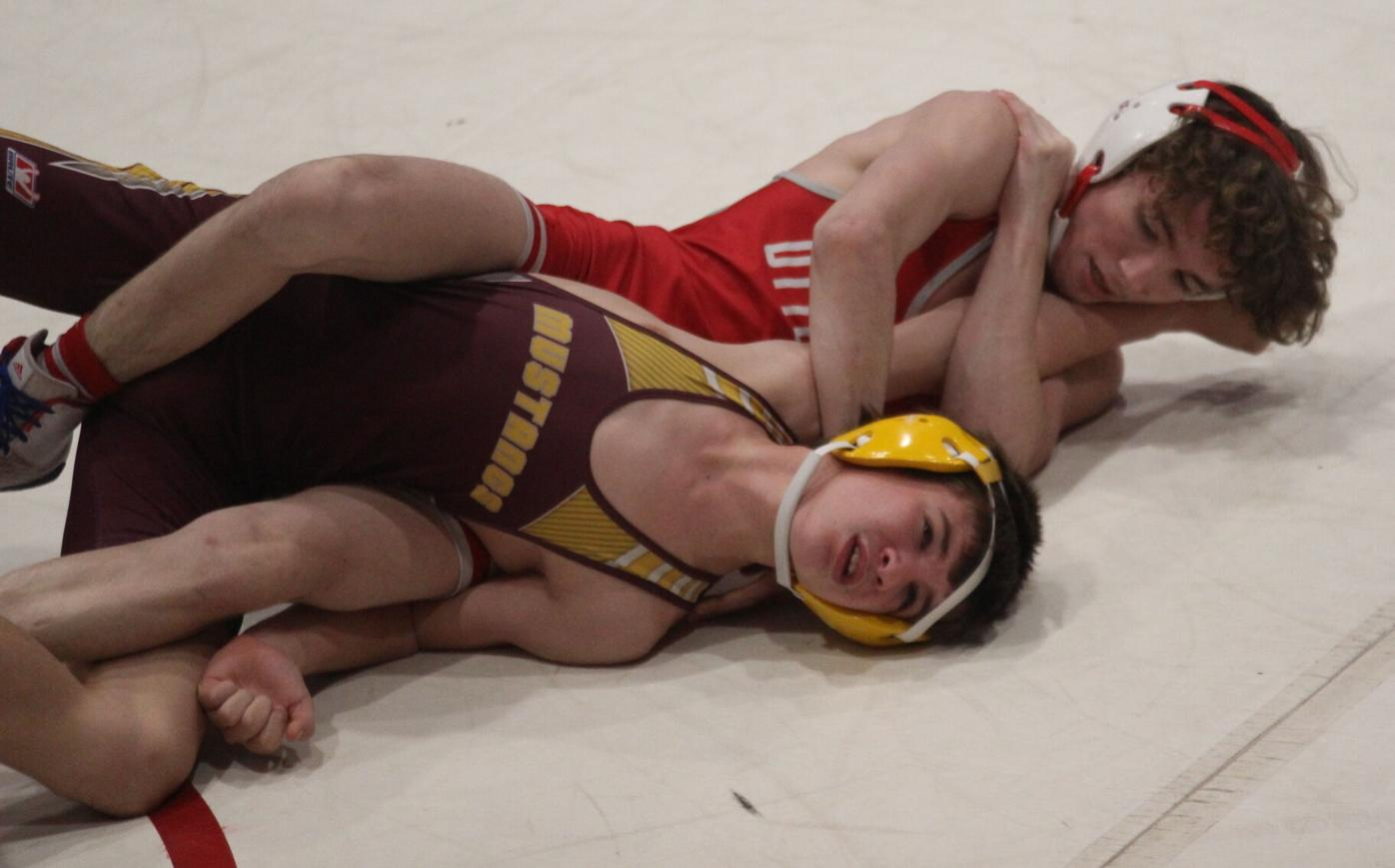 Grace locks up title at Ottumwa Invitational