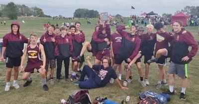 Mustang runners win at Centerville