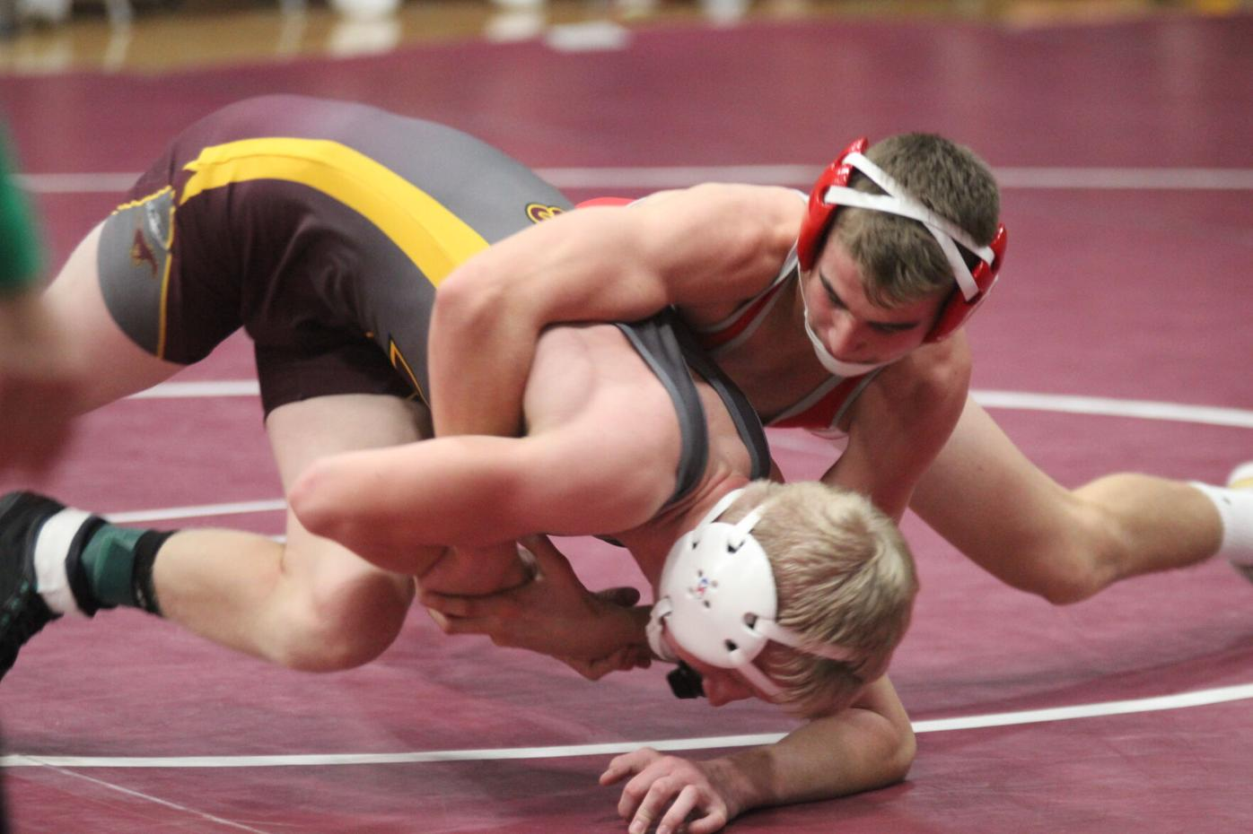 Bulldogs, Mustangs open wrestling season (4 column main photo)