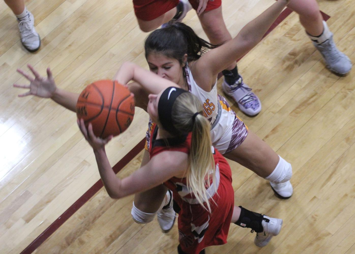Redettes take over first place in SCC (4 column photo)