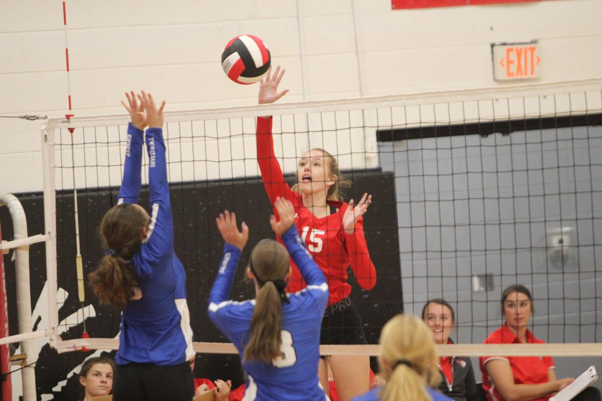 Prep volleyball: Comets win home tournament title