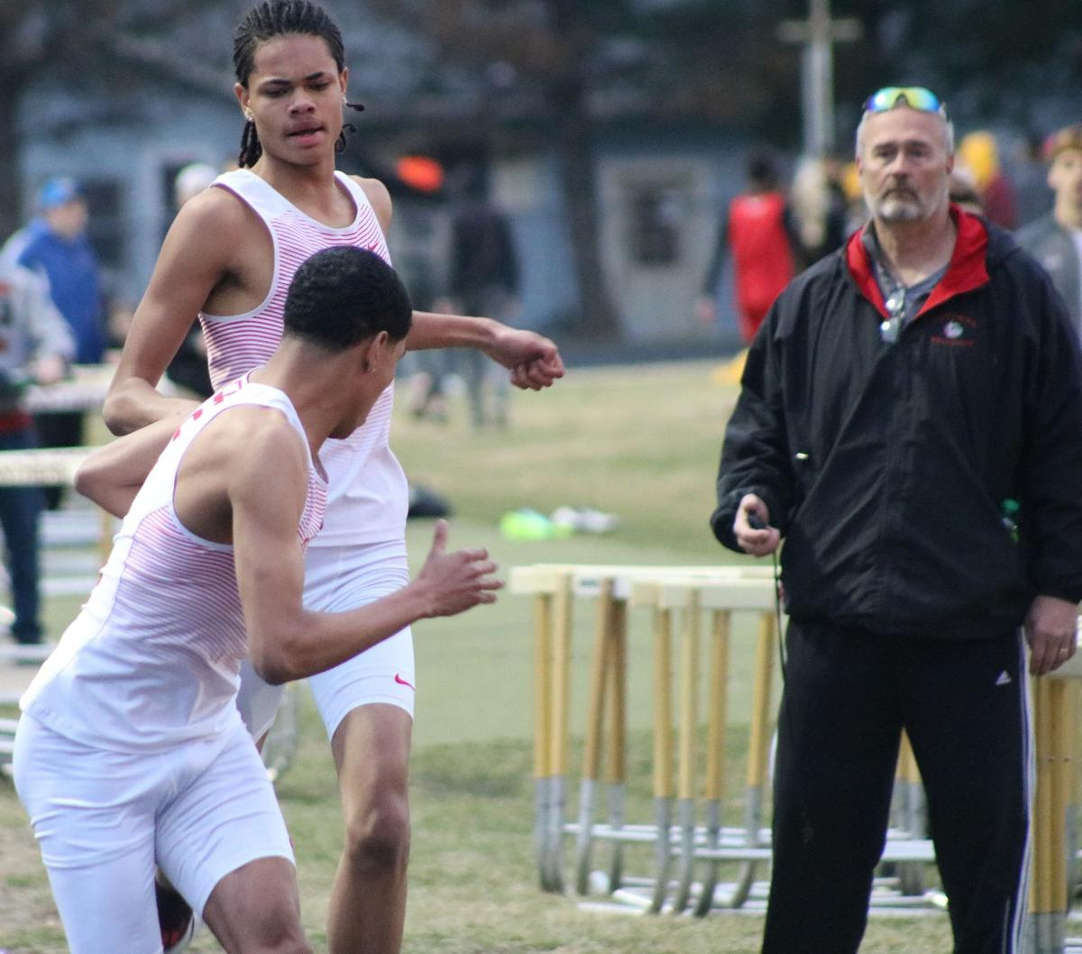 Boys track: Distance events shine for Bulldogs at Indianola