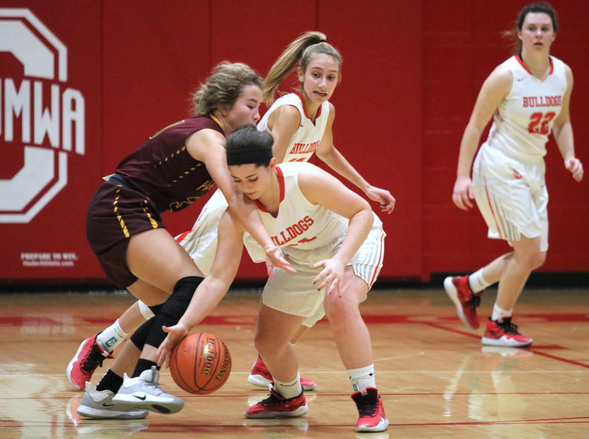 Girls basketball: Bulldogs find a way