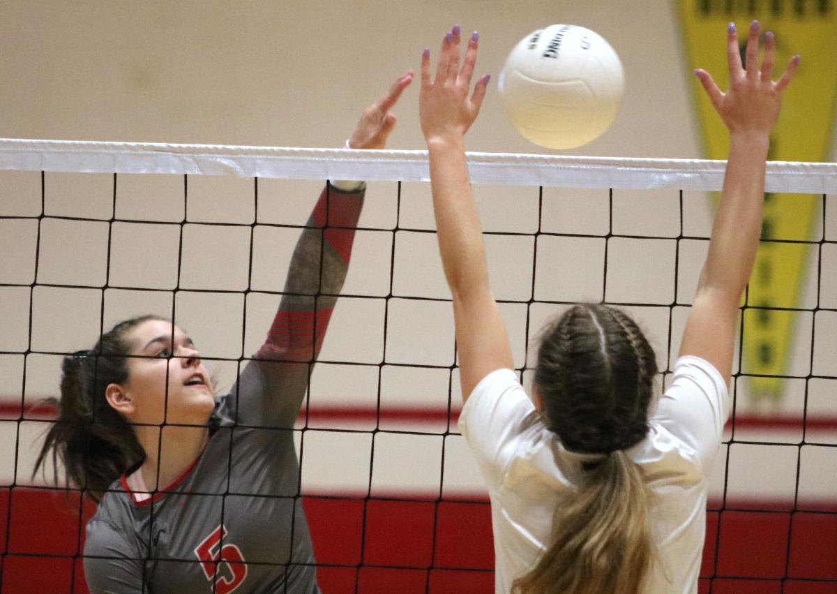 Prep volleyball: Roughriders sweep OHS for Metro title