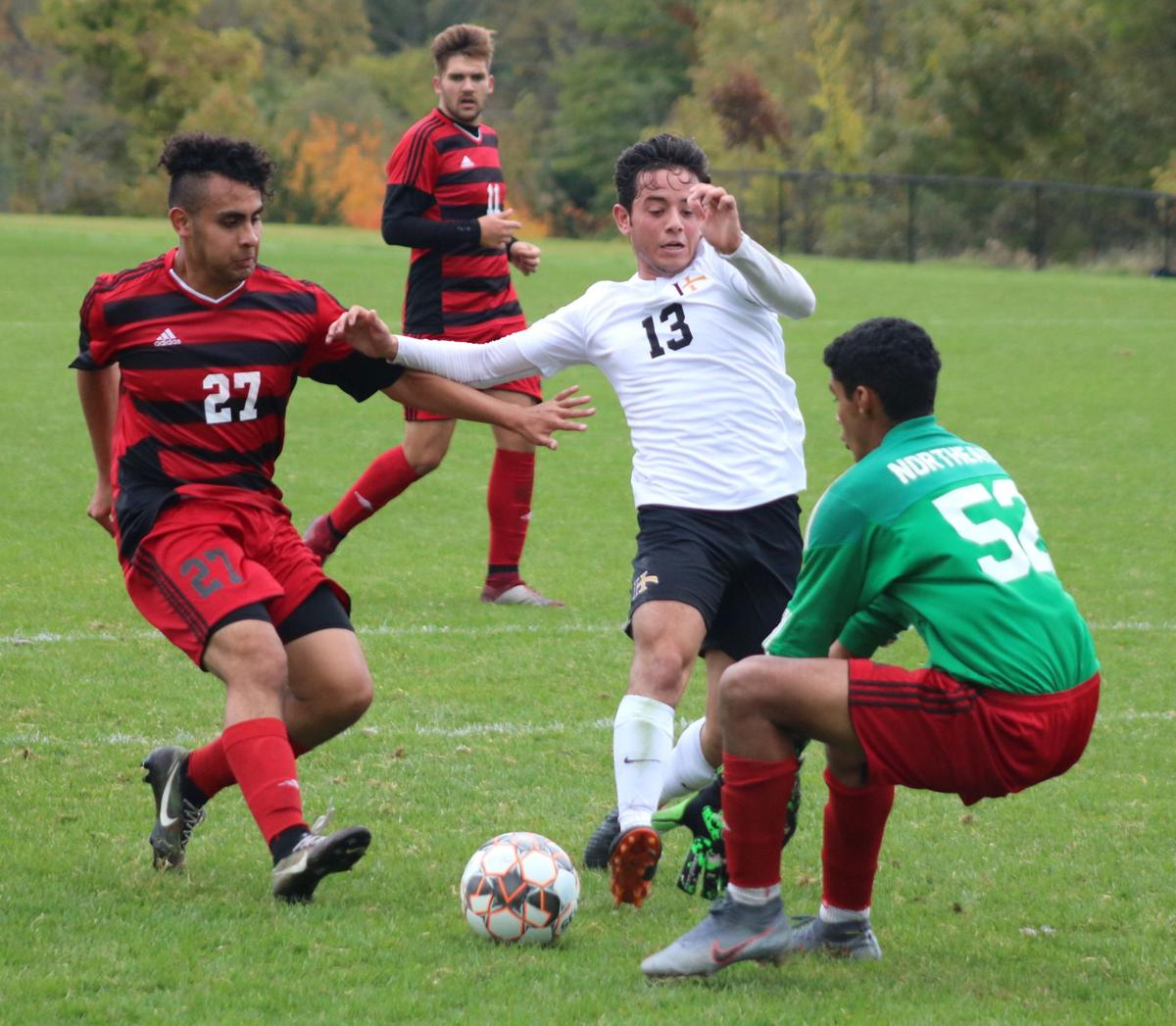 Men's soccer: Warriors claim Sophomore Day win