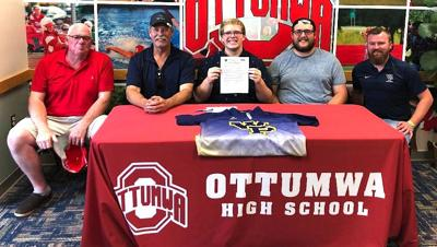 Coble signs to bowl at William Penn