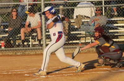 Prep softball: Eighth-ranked Lady Dees down Davis County in five
