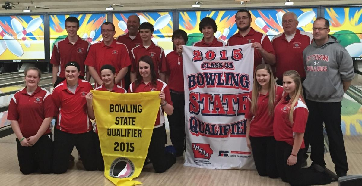 Ottumwa bowling heads for State (Main 5 column photo)