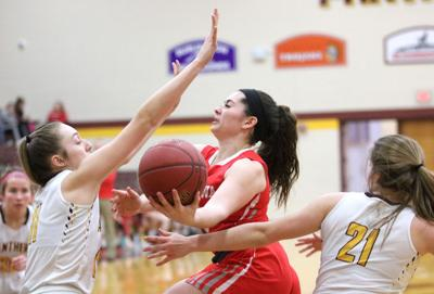 Girls basketball: Panthers' late rally sinks Bulldogs