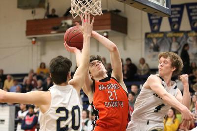 Boys basketball: Nikes roll past Warriors