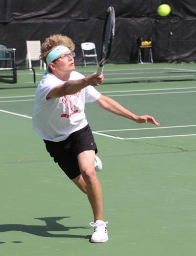 Bulldogs battle for Metro tennis title