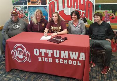 Greiner signs with IHCC softball