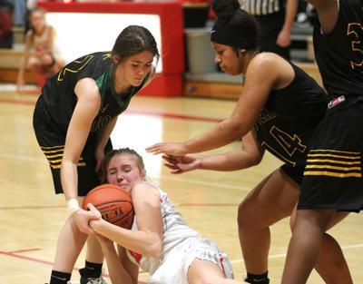 Girls basketball: Bulldogs start fast, dominate Huskies