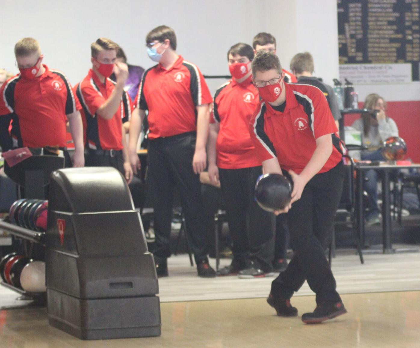 Bulldog bowlers battle for Baker Tournament title (4 column photo)