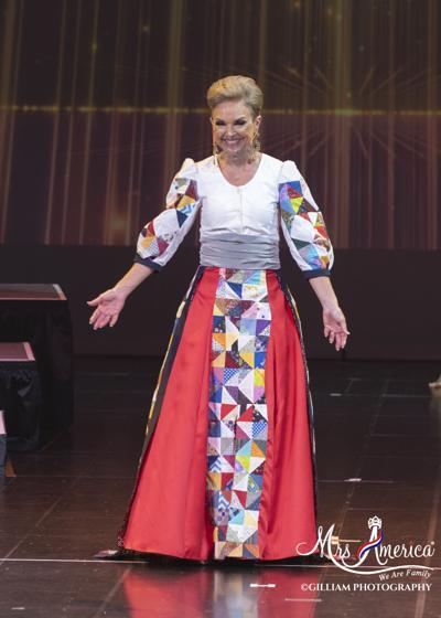 Mrs. Iowa quilt costume