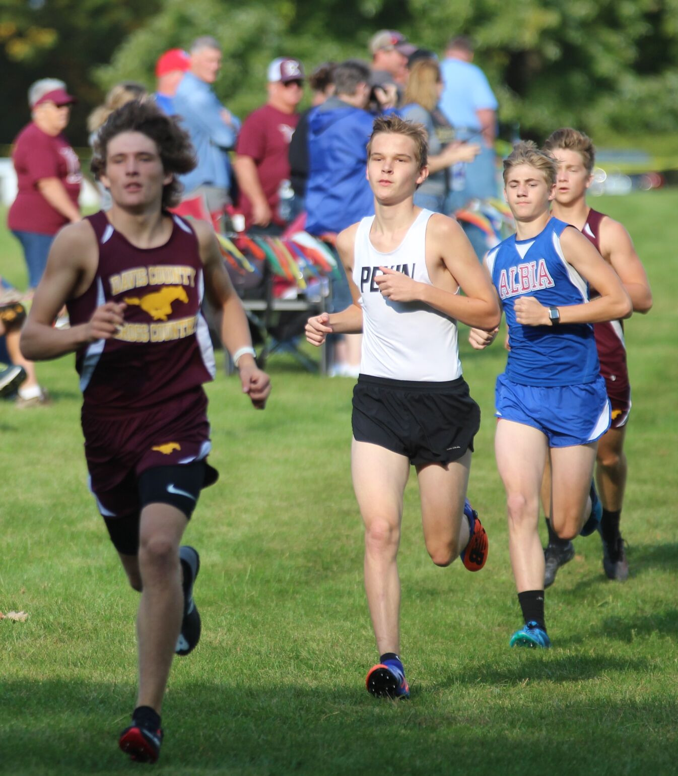 Shively leads the junior class (2-4 column photo)