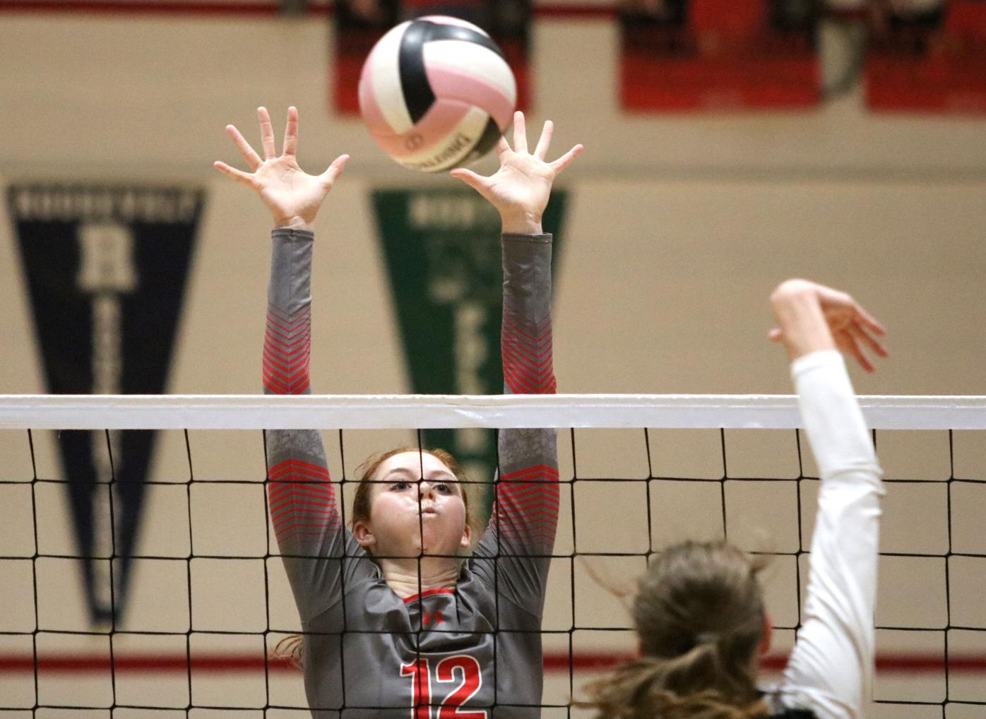 Prep volleyball: Rams roll past No. 13 Bulldogs
