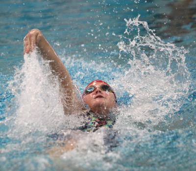 Bulldogs prepare for girls state swimming meet