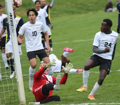 Warriors settle for draw with No. 13 Marshalltown