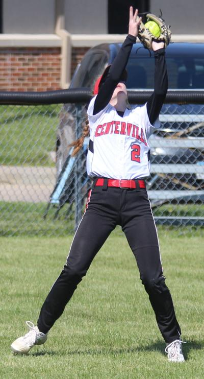 Redettes capture first two wins of softball season