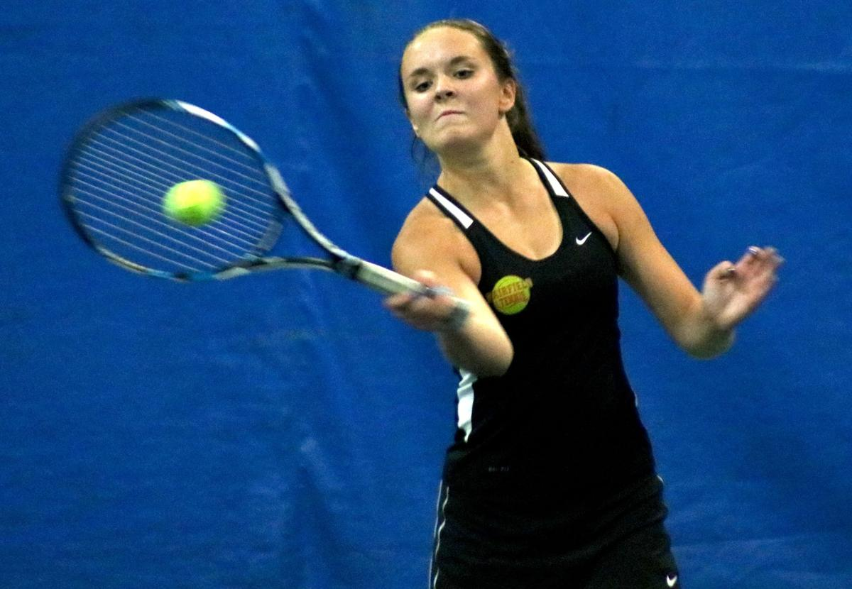 Girls tennis: Tiebreakers carry Wahlert into final four