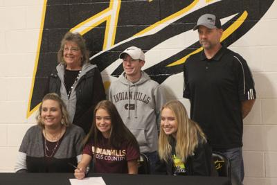 EBF senior Akers signs with IHCC cross-country program