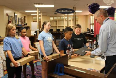 Graves County schools extends Chromebook distribution to students in upper elementary school grades