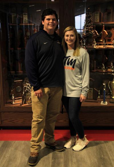 Falcons Lusk, Abernathy sign letters at student rally