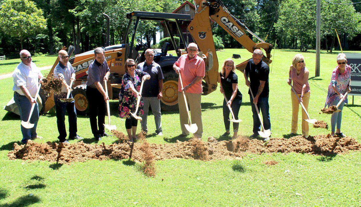 Paducah Lifeline Ministries breaks ground for dormitory