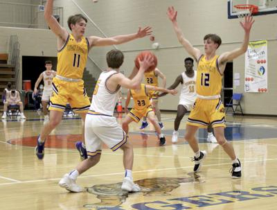 Lyon County pushes past Caldwell County 93-63