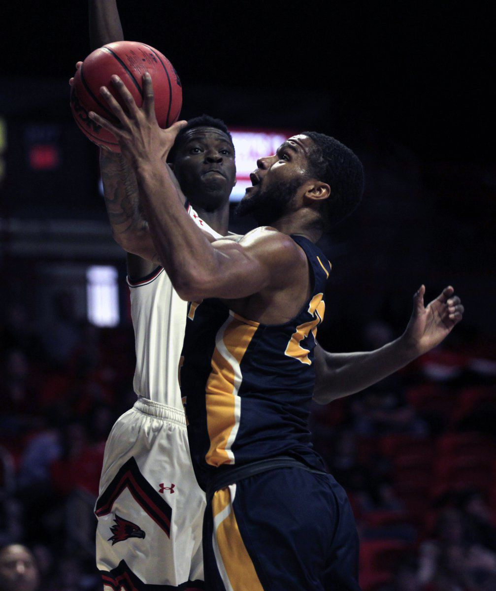 Racers eke out OT thriller in Cape; McMahon wins 100th