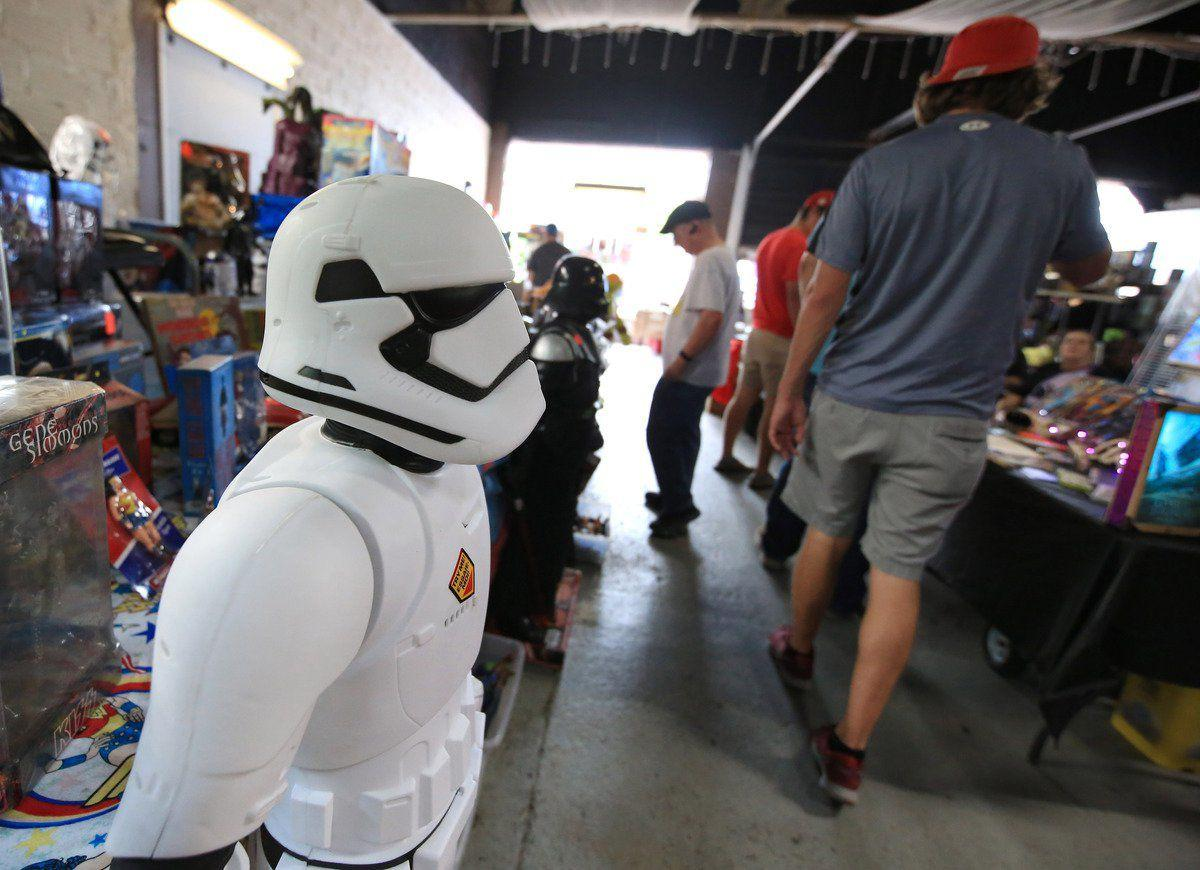 Metropolis Super Con attracts fanboys and girls of all ages