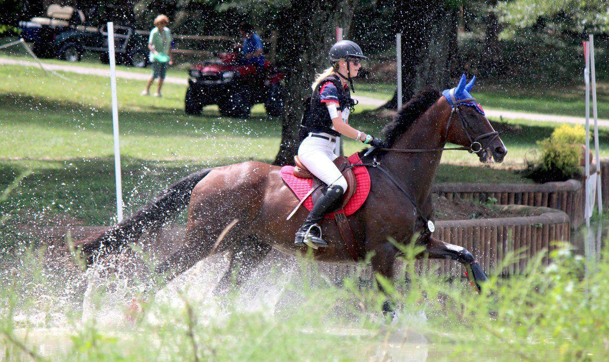 Paducah teens place among top 15 at national equestrian championship