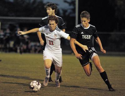 Hopkinsville wins 2-1 duel in Murray