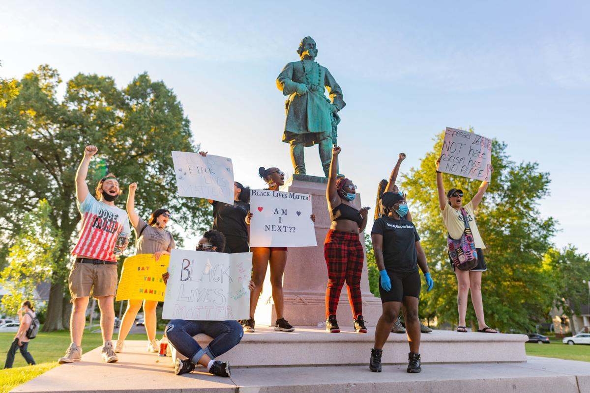 Peaceful protest mobilizes masses in Paducah