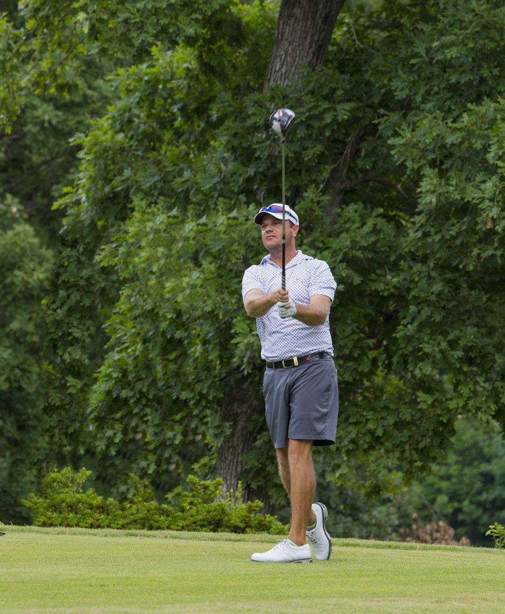 Rhodes, Straub lead Rolling Hills tourney