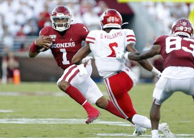 Backed by Hurts' 6 TDs, Oklahoma beats Houston